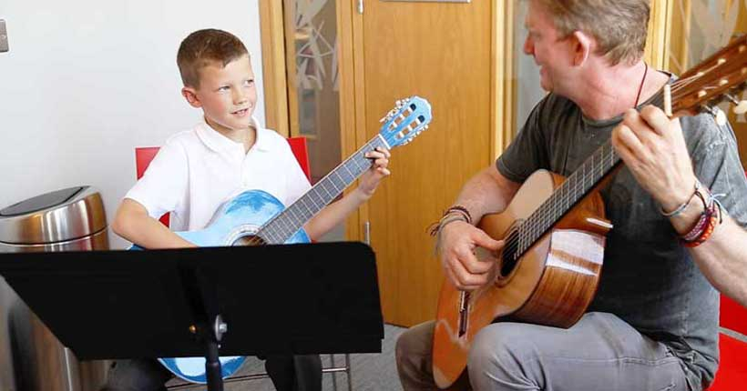 guitar lessons dublin learn to play guitar
